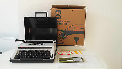 (MN) Typechoice De Luxe Typewriter, Vintage but in great cond, with Original Box