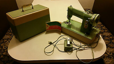 Singer Sewing Machine 185J Jadite Green 185J3 With Manual and Case TESTED WORKS