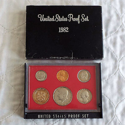USA 1982 s 5 COIN PROOF YEAR SET WITH MINTCHIP - sealed with outer