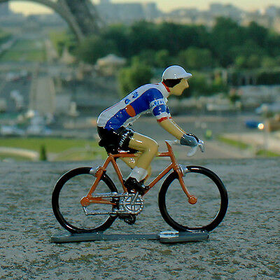 1970 Caballeno-Laurens Cycling Figurine - Hand painted in France