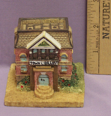 LIBERTY FALLS LIBRARY & READING ROOM VILLAGE BUILDING Figurine