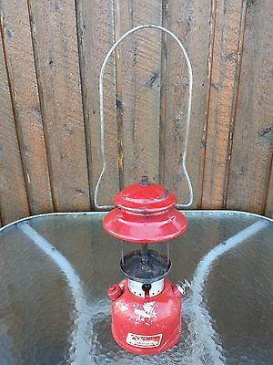 VINTAGE RED Coleman Lantern 200A Dated 10-1966 CANADA