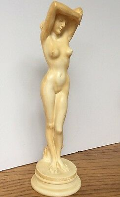 OPYNH Knossos Nude Woman Statue Made In Greece