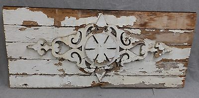 Antique Victorian Gingerbread Medallion Old Shabby Vtg Plaque Chic 744-16