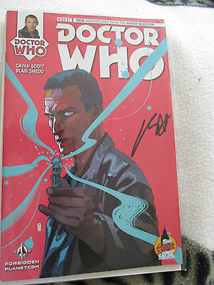Doctor who   9th doctor   02  titan  comic  signed by cavan scott