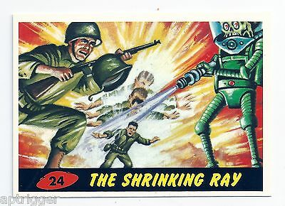 1994 Topps MARS ATTACKS Base Card # 24 The Shrinking Ray