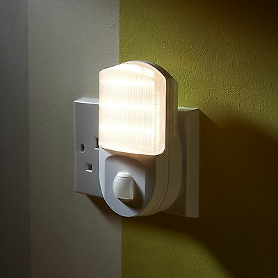 Auraglow PlugIn PIR Motion Sensor Hallway Plug Socket LED Night Light