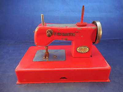 BERLIN U.S.ZONE MADE METAL CHILD'S MACHINE 1940S KAYanEE SEW MASTER