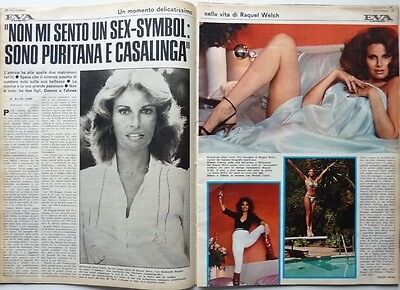 RAQUEL WELCH =  2 pages 1977 ITALIAN CLIPPING !!!