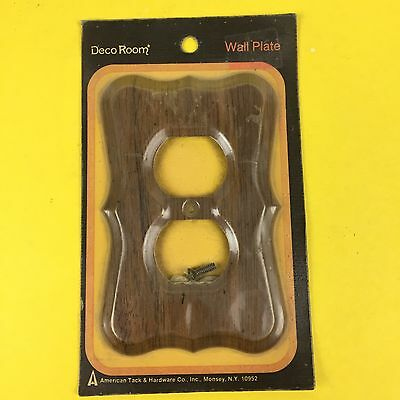 vtg Deco Room Single Oulet Cover Wood American Tack Pecan Woodgrain 1970s NOS