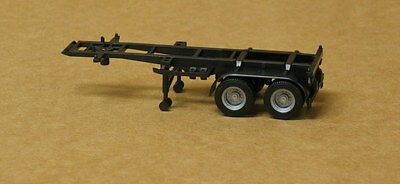 Promotex/Herpa #5440 HO dual axle 20' container chassis, undecorated 1/87