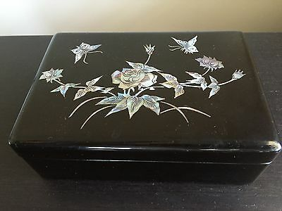 Fine Old Vintage Japanese Lacquer Jewelry Box Mother of Pearl MOP Shell Carved