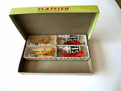 Vintage Flatfish X4 Dealer Box with 4 Mint Lures with Boxes : Antique Very Rare