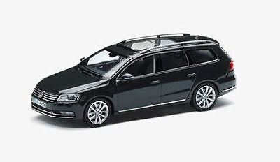 New Genuine Vw Passat B7 Estate Urano Grey 1:43 Scale Diecast Model Car