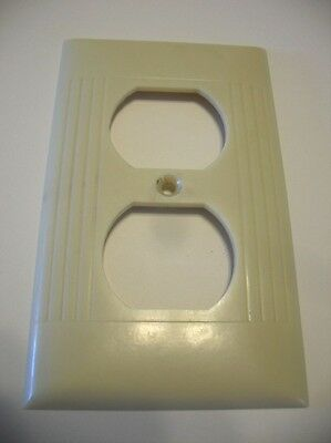 Vintage IVORY Outlet Wall Cover Plate Ribbed Bakelite Sierra Electric Corp.