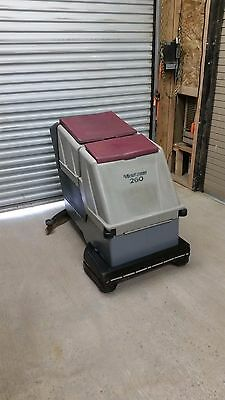 Minuteman 260 Walk Behind Battery Floor Scrubber  32 inch W/ Charger