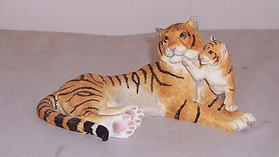 Country Artists Tiger & Cub Playful