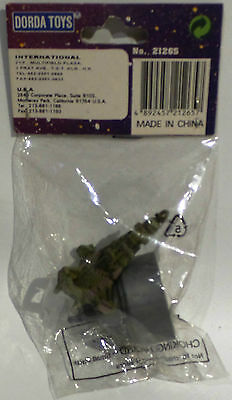 Babylon 5 :  Pencil Sharpener & Green Ship Model Signed By Claudia Christian