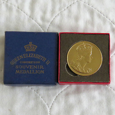 1953 CORONATION OF QEII 33mm GOLD COLOURED MEDAL - boxed