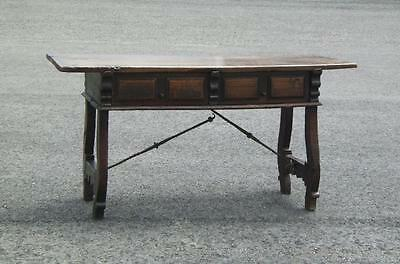 17th century Spanish writing desk with drawers