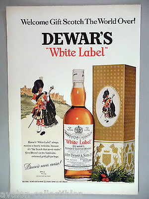 Dewar's White Label Scotch Whiskey PRINT AD - 1967 ~~ gold gift package