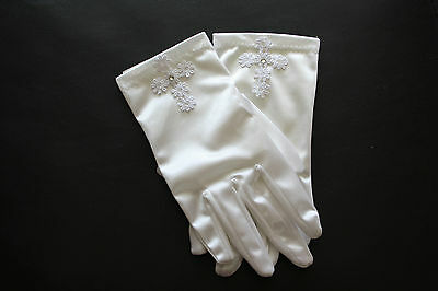SNS602 - Girls White Satin First Communion Gloves with Cross.