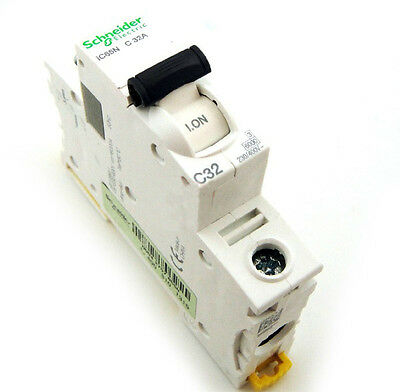 New Schneider small IC65N 1P C32A air circuit breaker switch