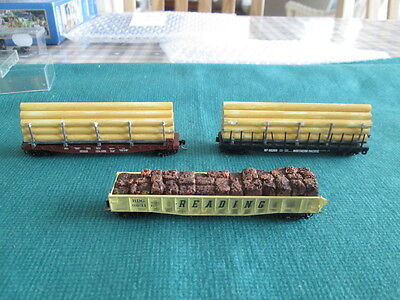 American N Gauge  2 Pipe Carriers And Large Ore Wagon