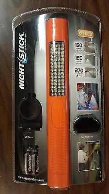 Bayco Nightstick Nsp-1260 61 Led Flashlight Floodlight With Angle Stand & Clip