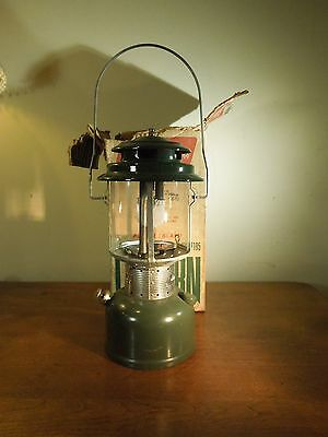 Vintage 5 71 Coleman Two Mantle Green Camping Lantern 220F195 w/ Original Box