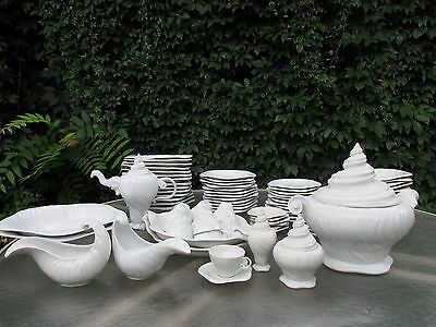 Vtg ROYAL COPENHAGEN Konkylie White TRITON Arje Griegst 84 Pc SET Serves 12