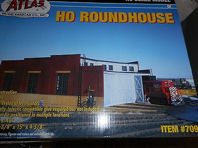 Atlas Ho Turntable 3 Bay Roundhouse