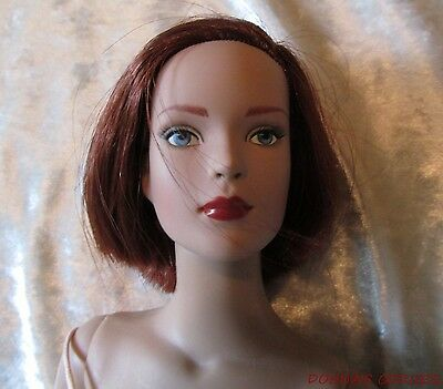 Tonner Ready To Wear Career With Short Red Hair ~ Original Outfit, Box And Stand