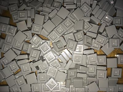 New Lego Part 3070 1x1 Smooth / Flat Plate / Tile (20 Medium Stone Grey Pieces)