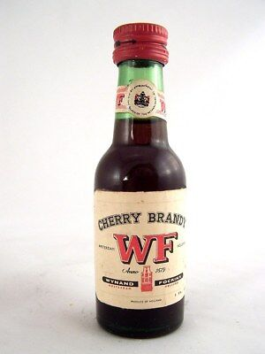 Miniature circa 1972 WYNAND & FOCKINK WF CHERRY BRANDY Isle of Wine