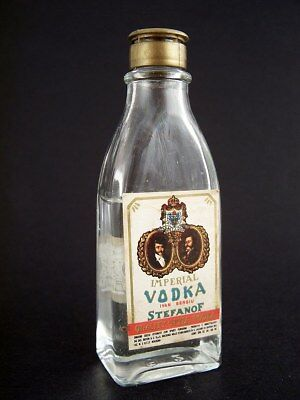 Miniature circa 1970 BUTON IMPERIAL STEFANOF VODKA Isle of Wine