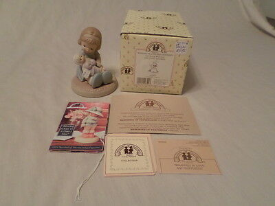 """Enesco Memories Of Yesterday """"wrapped In Love And Happiness"""" Mib"""