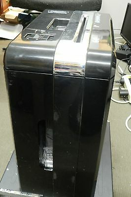 Fellowes Shredder DS1200CS Cross-Cut, in very good condition and works well.