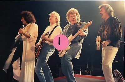 The Moody Blues 6 - 4X6 Color Concert Photo Set #45A