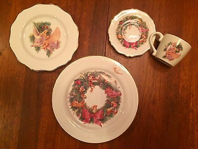 Disney Direct China 4 Piece Christmas Place Setting DUMBO Plate Retired