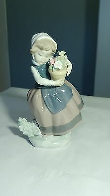 """Lladro Spring is Here 5223 Girl With Pot Of Flowers 7"""" Tall Figurine"""