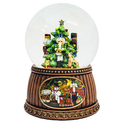 Nutcracker Christmas Snow Globe (Musical)