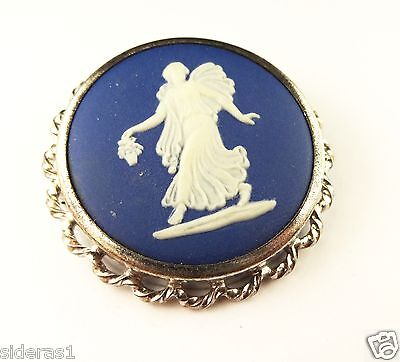 Authentic Wedgewood Broach/pendant Made In England S 77