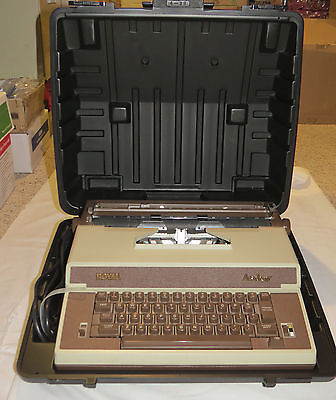 Royal Academy Electric Correcting Portable Typewriter w/ Case and Original Box
