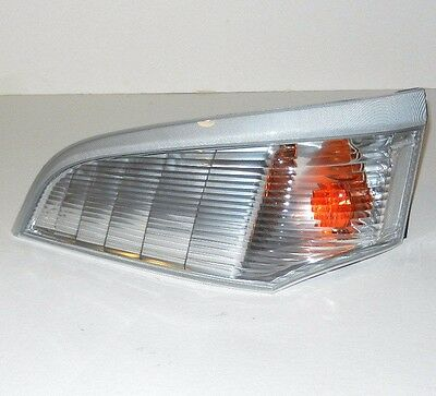 Mitsubishi Canter Fuso 2005-2011 Front Left Indicator Light Lamp N/s Clear