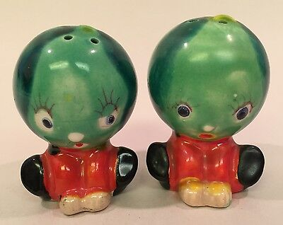 VTG Japan Squatting Surprised Melon Anthropomorphic Ceramic Salt Pepper Shakers