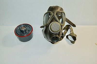 German Gas Mask Respirator M65  W/NBC Filter Unissued Adult