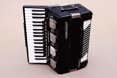 Very Nice German Accordion Weltmeister Stella 96 bass