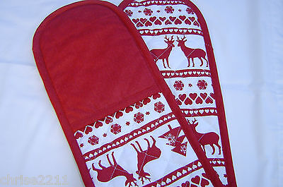 Christmas Double Oven Gloves.  Christmas Stag.  Red.Lovely traditional Pattern