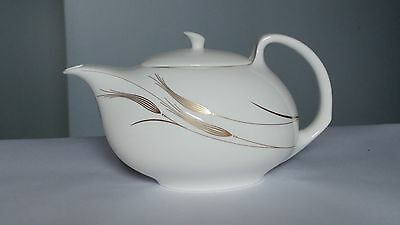 Wedgwood Serenity Large 4 Cup Teapot With Lid in Excellent Condition